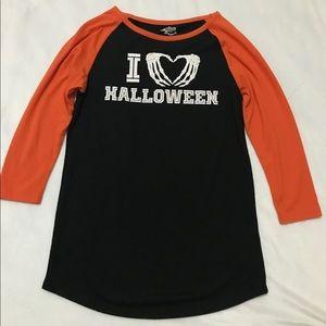3/4 length Halloween shirt